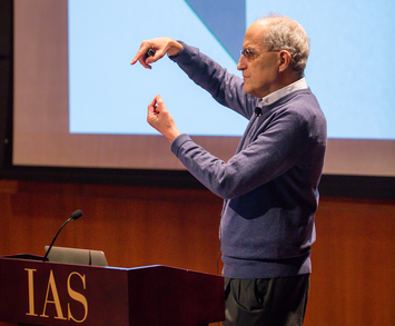 Edward Witten lectures at the podium