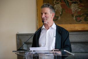 Peter Sarnak speaks at the podium