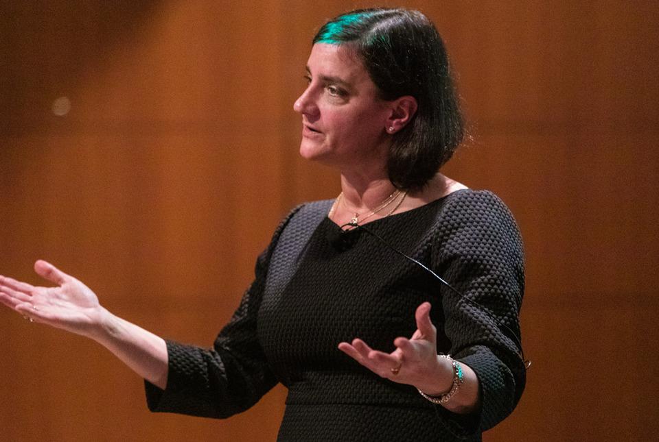 Suzanne Akbari